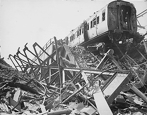 Why is there no London monument for the Blitz? | The Great Wen
