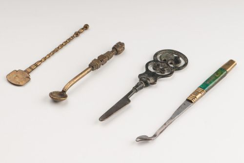 Tools for preparing opium