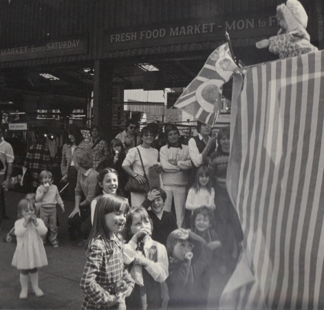 Punch & Judy, Covent Garden.