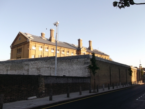Wall_of_H.M._Prison_Brixton_(geograph_2640556)